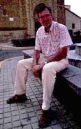 José Antonio Adell es una de las personas más apreciadas de la cultura popular aragonesa Con 51 años, es escritor, maestro, locutor de carreras y exatleta